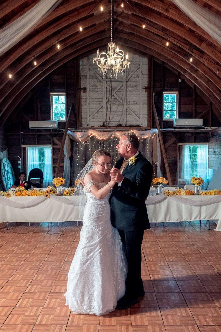 345 Lake Elsie Wedding Barn