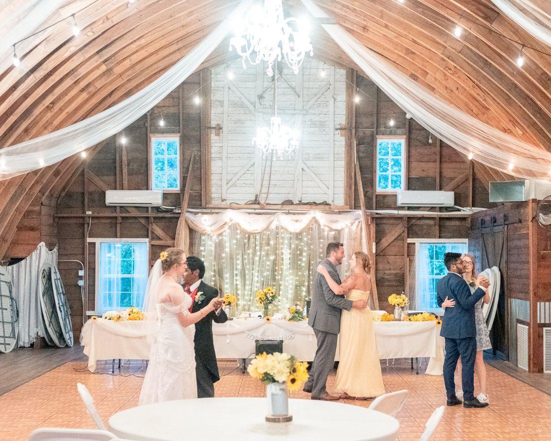 372 Lake Elsie Wedding Barn