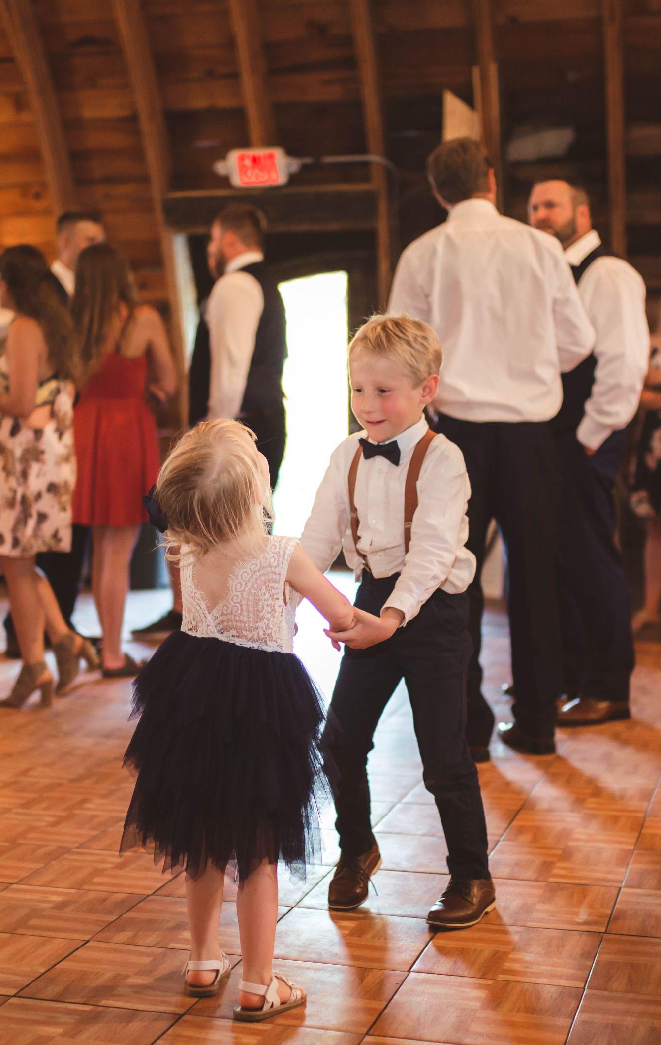 21 Lake Elsie Wedding Barn Fargo ND Wedding Venue 1