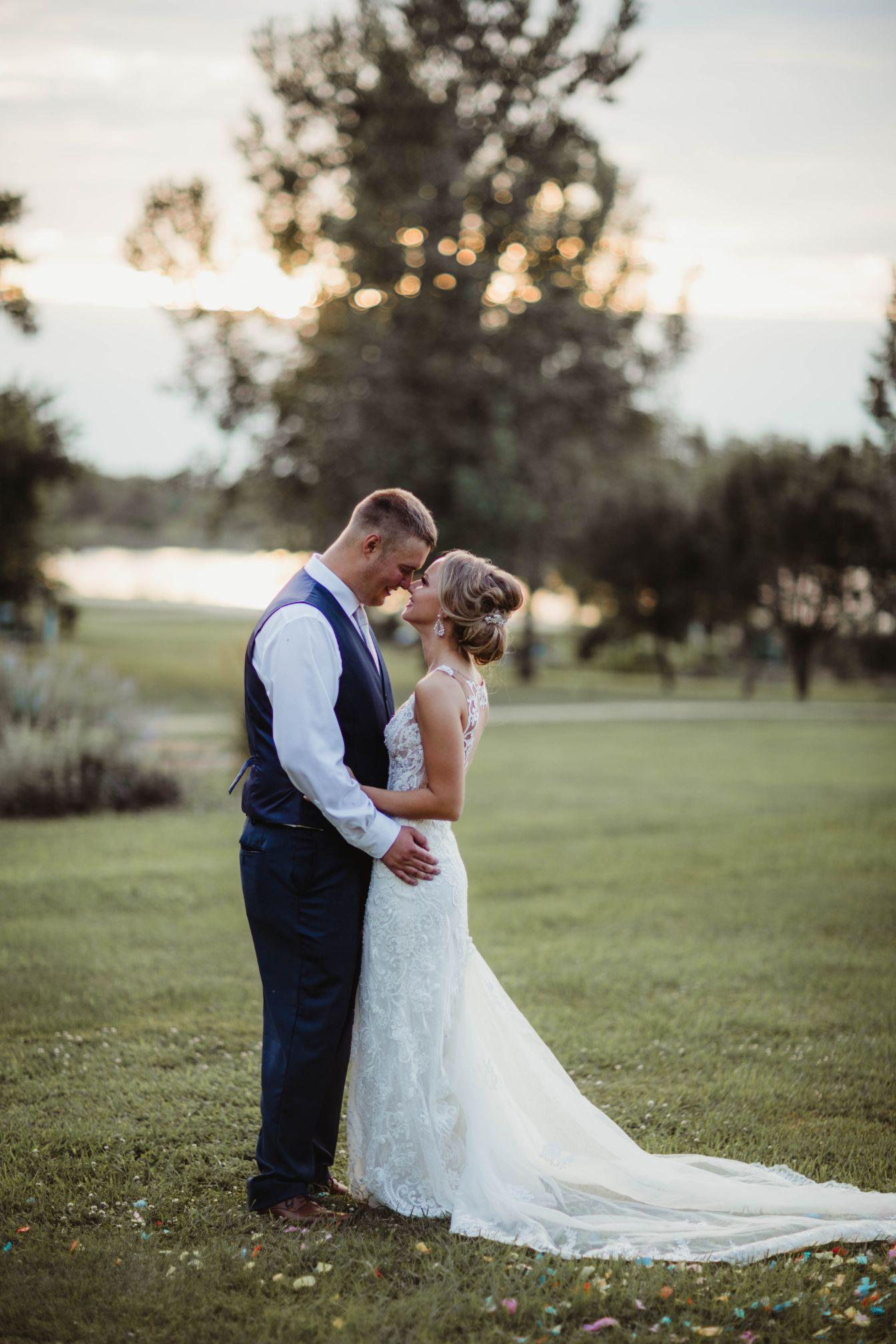 23 Lake Elsie Wedding Barn Fargo ND Wedding Venue 1