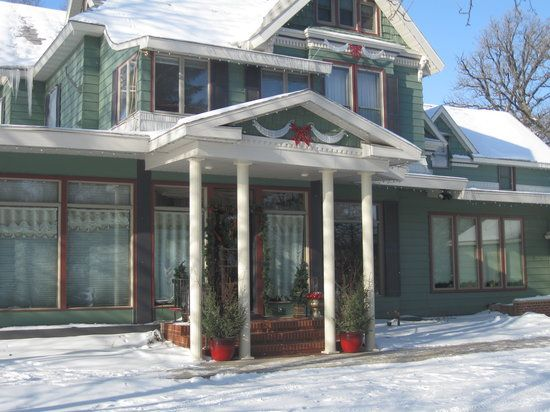 8 lady on the lake bed and breakfast near fargo ND